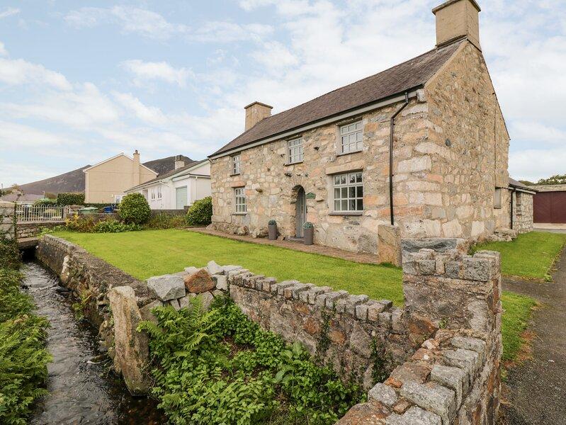 Llwyn Aethnen, Trefor, holiday rental in Llithfaen