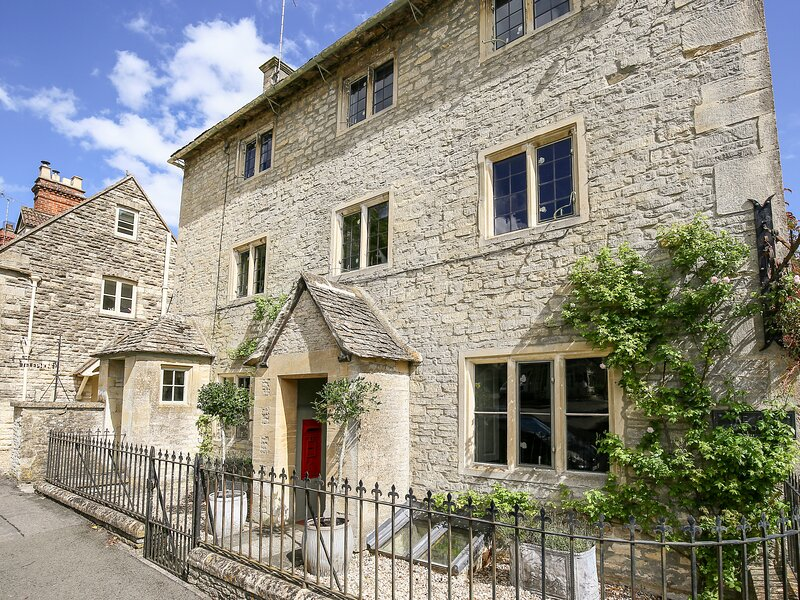 The Old Post Office, Coln St Aldwyns, vacation rental in Fairford