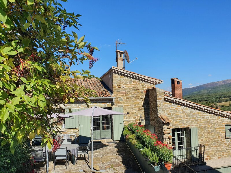 Gîte du Cladan à LEpine, Hautes Alpes, Provence, holiday rental in Lagrand