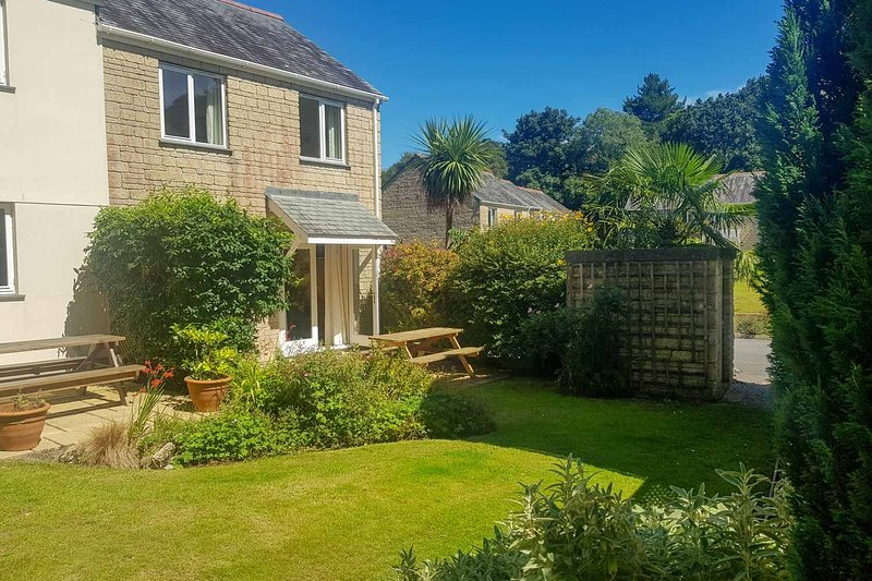 Chough Cottage, holiday rental in Budock Water
