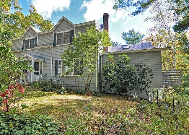 Water's Edge: Direct waterfront on picturesque Goose Cove with dock, holiday rental in Cape Ann