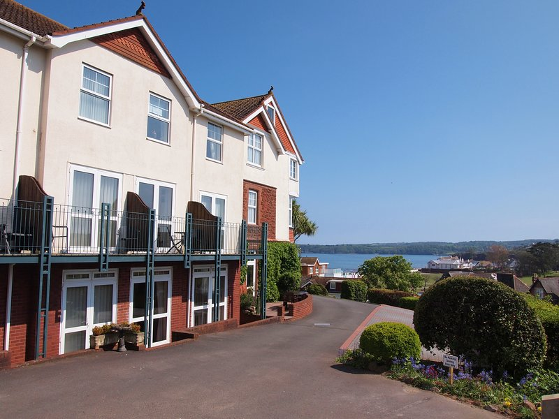 3 Braeside Mews-2 mins walk from Goodrington Sands, vacation rental in Paignton