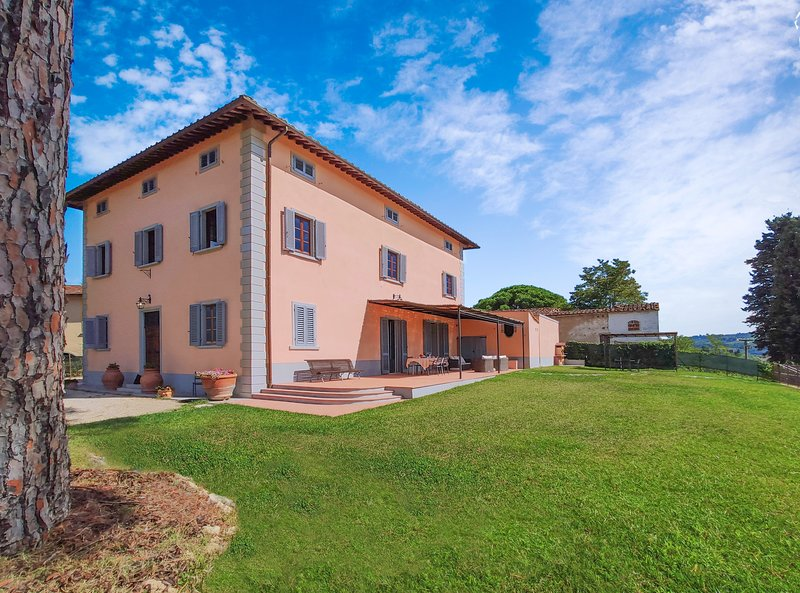 Stunning Villa, Perfect Location, Views and Pool – semesterbostad i Certaldo