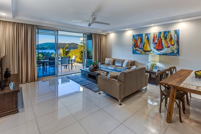 Superior Poinciana 011 on Hamilton Island, vacation rental in Hamilton Island