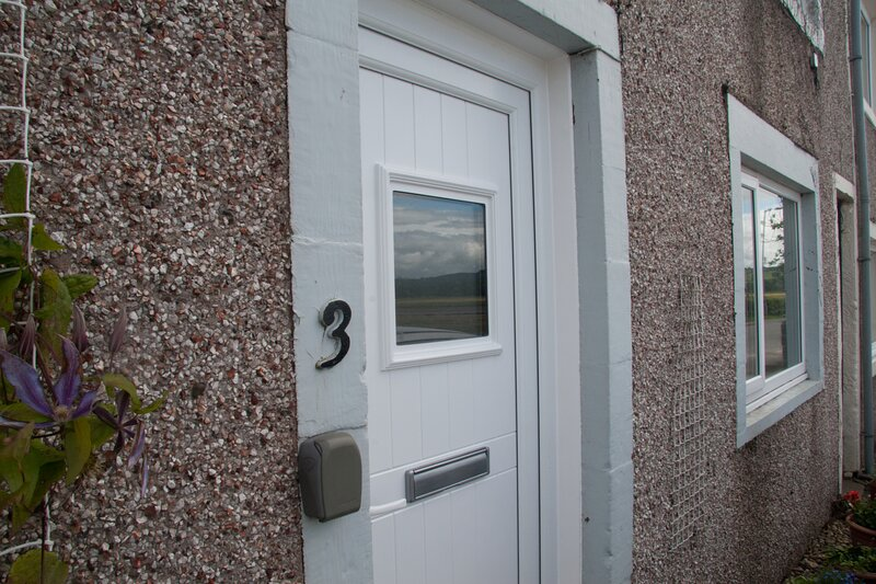 Comfortable Flat in Friendly Village with Stunning Coastal Views, vacation rental in Dumfries
