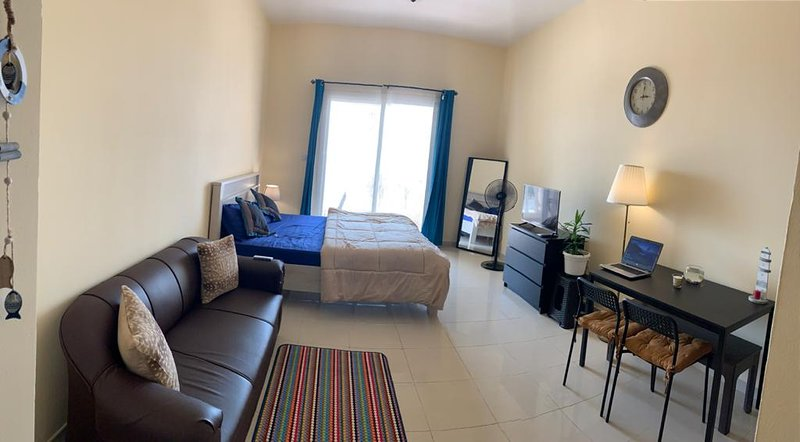 Wait N Sea!!! Sea View Studio apartment, holiday rental in Emirate of Ras Al Khaimah