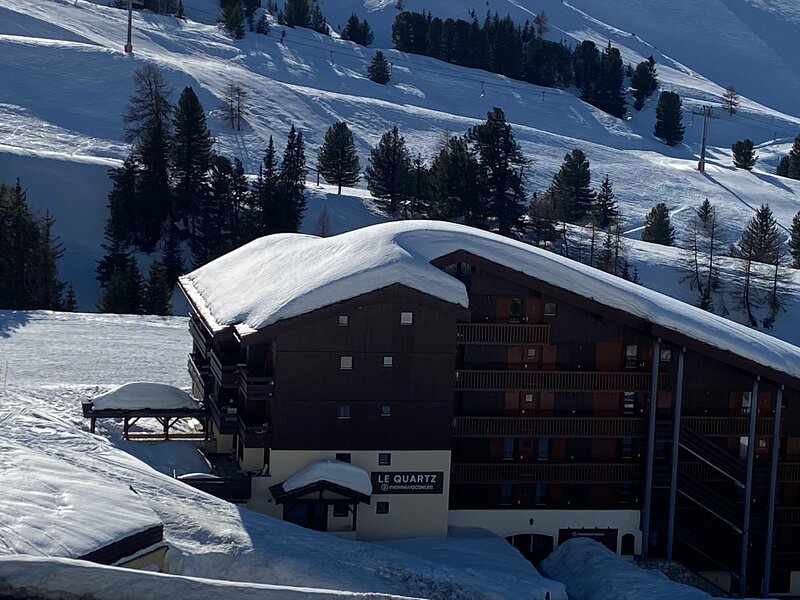 One bedroom apartment in Belle Plagne - ski in ski out, WiFi included, vacation rental in Belle Plagne