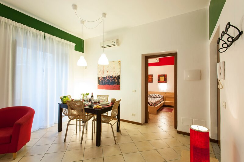 Nice apartment with balcony & Wifi, holiday rental in San Nicola l'Arena