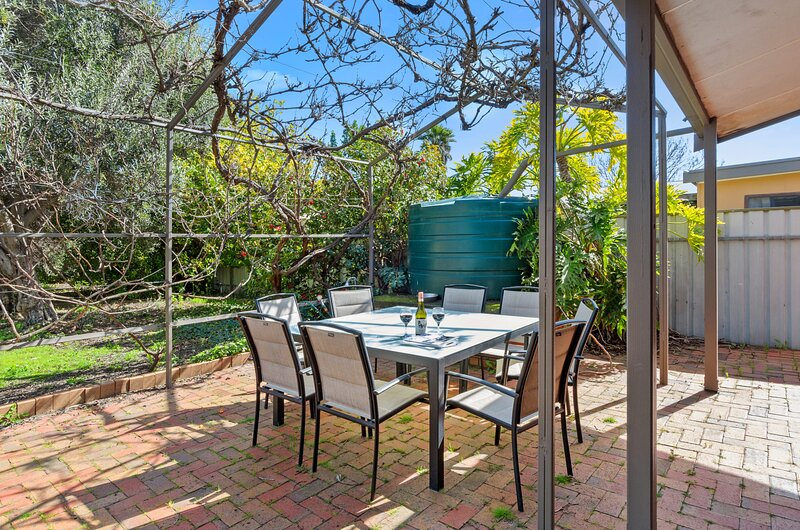 Normanni - 4 O'Connor Street, holiday rental in Normanville