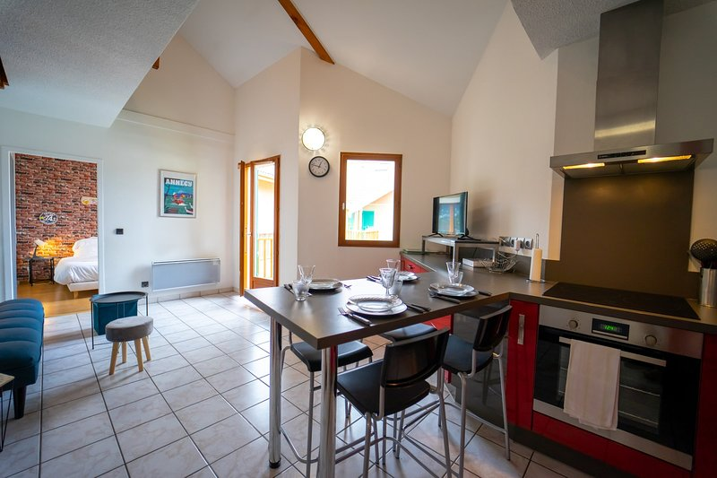 Le Verger - Appartement 2 chambres à Faverges, holiday rental in Gilly-sur-Isere
