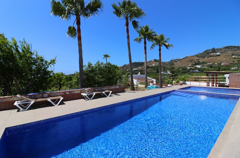 1035 Villa el Crucero, holiday rental in Nerja