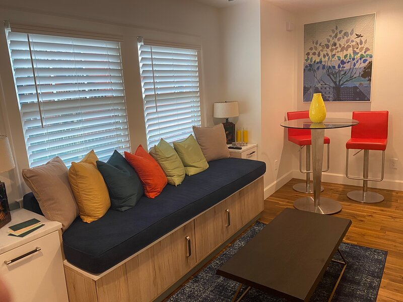 Newly Built Carriage House - An Urban Oasis, holiday rental in Fort McPherson