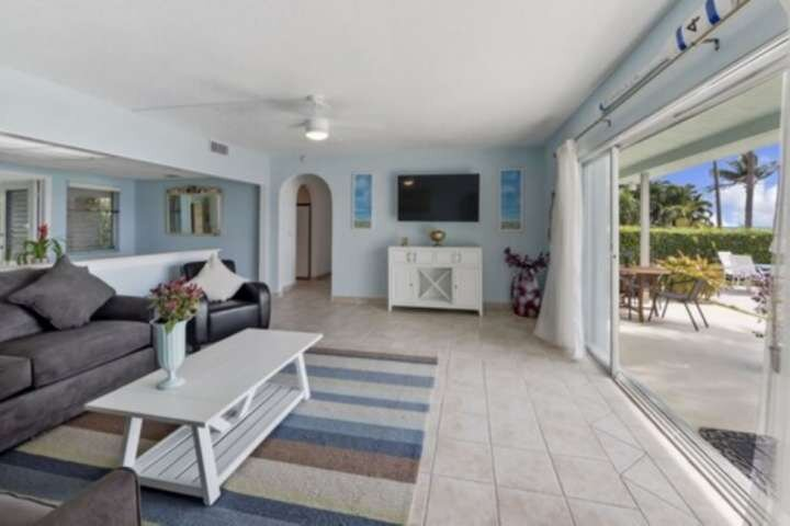 Portside 10-2 BD-First Floor-Waterview/Pool/Paved Path to the Beach-Walk to Rest, location de vacances à Palm Beach Shores
