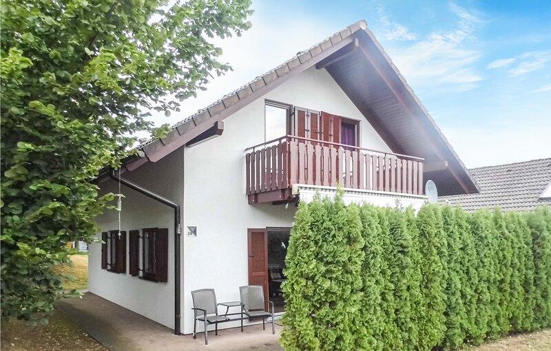 Beautiful home in Kirchheim with Sauna, WiFi and 4 Bedrooms (DHE199), vakantiewoning in Tann