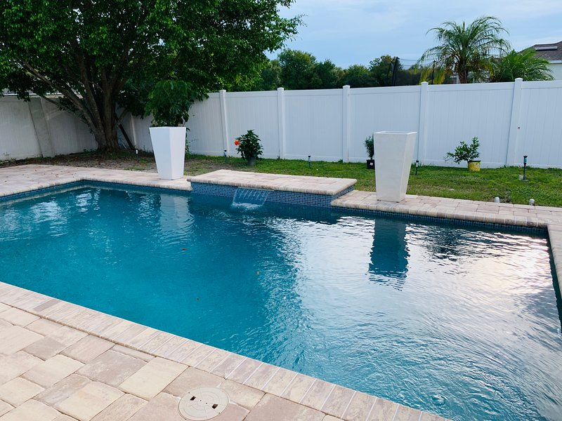 NEAR IMG ACADEMY AND SIESTA KEY BEACH PARADISE, vacation rental in Bradenton