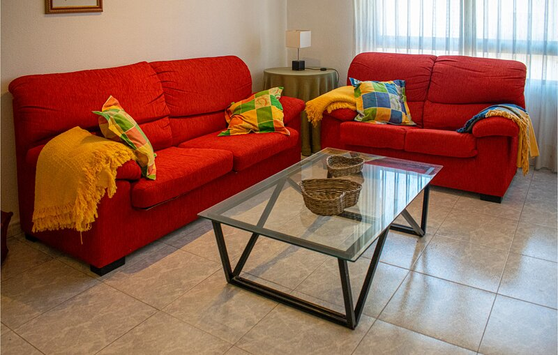Awesome apartment in Benicassim with 4 Bedrooms (EBA195), alquiler vacacional en El Grao