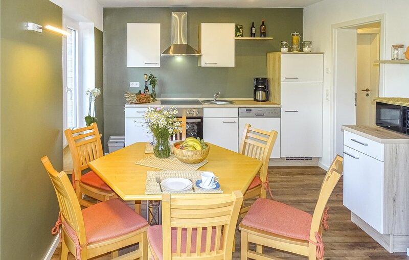 Awesome home in Testorf-Steinfort with 3 Bedrooms (DMV452), alquiler vacacional en Schwerin