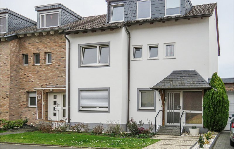 Stunning apartment in Bonn with WiFi and 1 Bedrooms (DNW169), location de vacances à Bonn