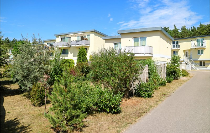 Awesome apartment in Graal Müritz with WiFi and 1 Bedrooms (DMK729), holiday rental in Klockenhagen
