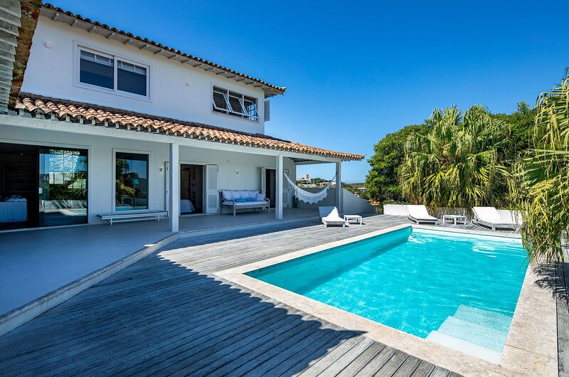 Buz027 - Beautiful house with 5 suites and pool in Búzios, vacation rental in Cabo Frio