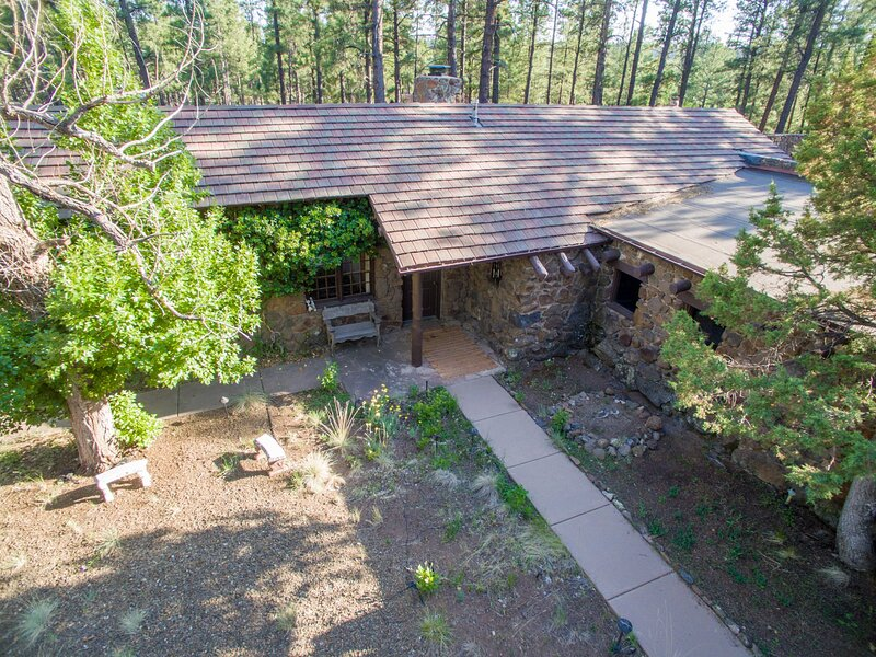 The Cottage at Colton House, Sleeps 5, holiday rental in Flagstaff