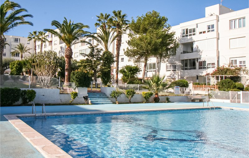 Stunning apartment in Santa Pola with Outdoor swimming pool and 3 Bedrooms (EBI3, holiday rental in Monte Faro
