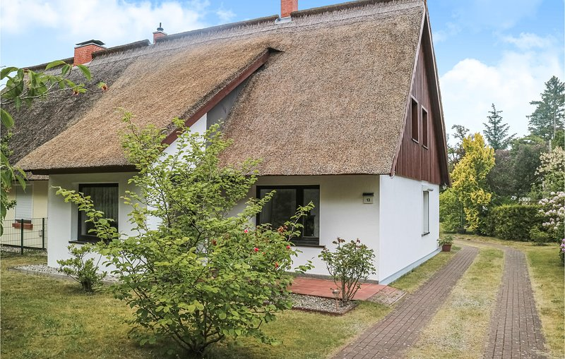 Stunning home in Ribnitz-Damgarten with Sauna, WiFi and 2 Bedrooms (DMK768), casa vacanza a Saal