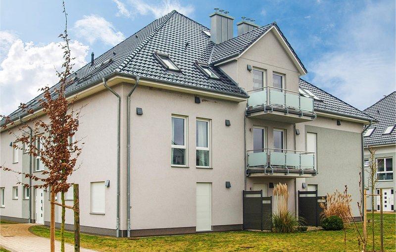 Beautiful apartment in Zinnowitz with Sauna, WiFi and 2 Bedrooms (DMU165), alquiler vacacional en Luetow