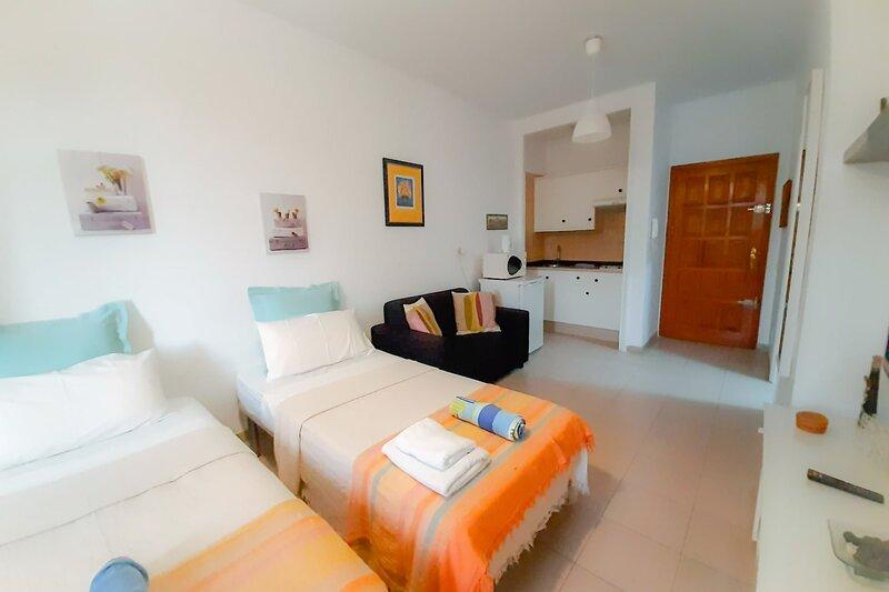 Beautiful Studio in Las Galletas, holiday rental in Las Galletas