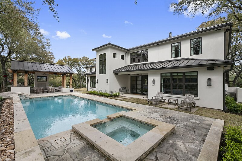THE ABOVE SIGNATURE ESTATE AUSTIN, holiday rental in West Lake Hills