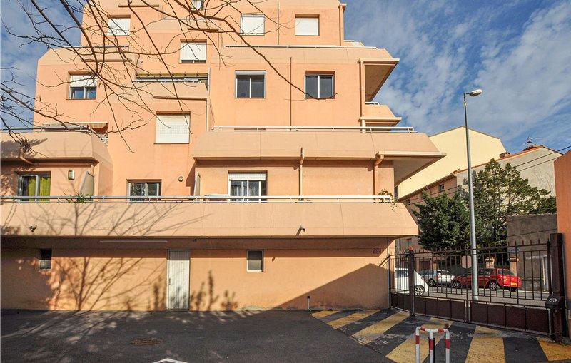 Nice apartment in Perpignan with  (FLP176), alquiler de vacaciones en Cabestany