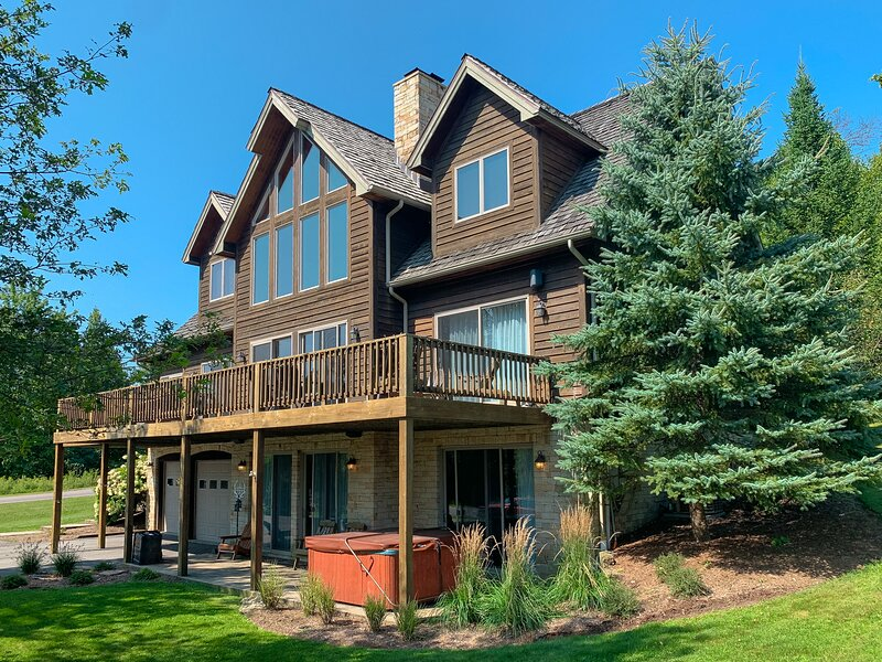 Big Sky, vacation rental in McHenry