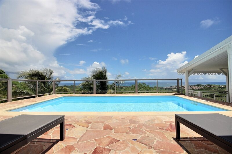 Villa Olga: piscine avec vue exceptionnelle, holiday rental in Le Vauclin