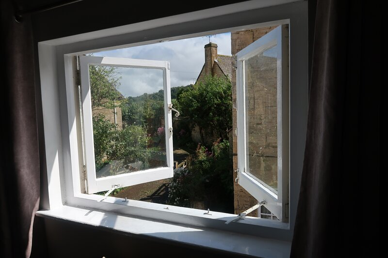 Boutique cottage in the heart of Winchcombe, holiday rental in Little Washbourne