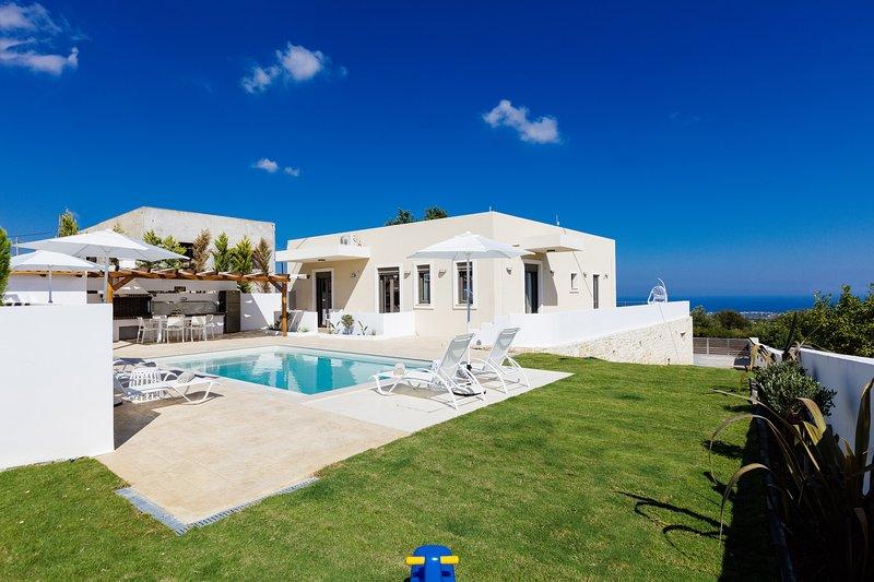 Aerin Villa, a Sublime Sanctuary, location de vacances à Thronos