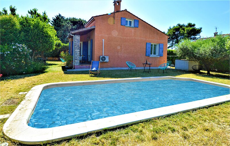 Stunning home in Rognonas with WiFi, Outdoor swimming pool and 2 Bedrooms (FPB41, holiday rental in Rognonas