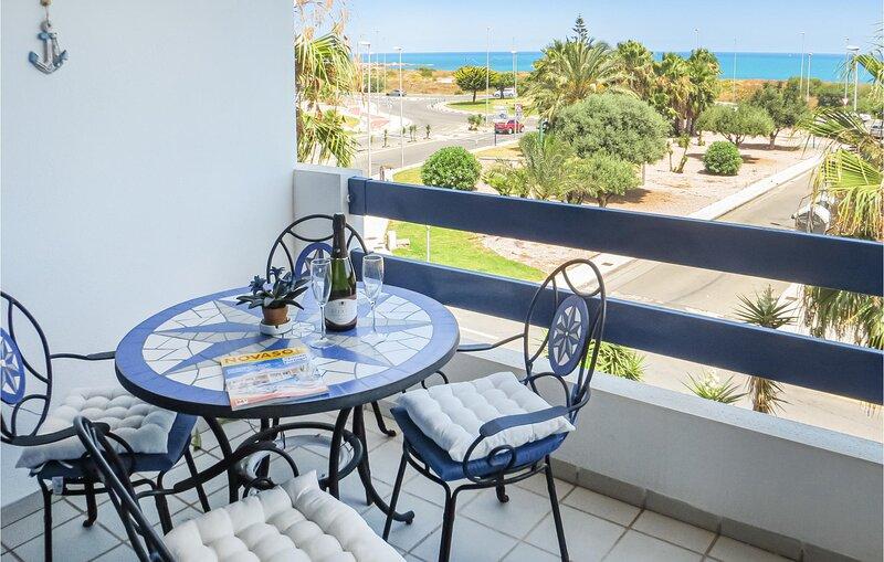 Beautiful apartment in Orihuela costa with Outdoor swimming pool, Outdoor swimmi, alquiler vacacional en Playa Flamenca