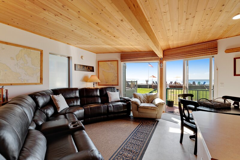 Charming beachfront home with ocean and mtn. views, firepit, private gas grill!, vacation rental in Stanwood