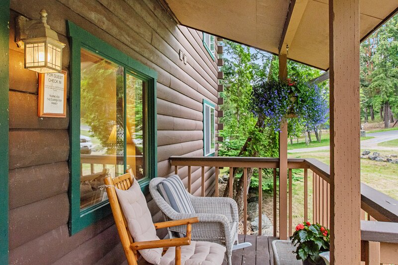 Quaint studio near marina w/ electric fireplace & shared grill!, vacation rental in Deer Harbor