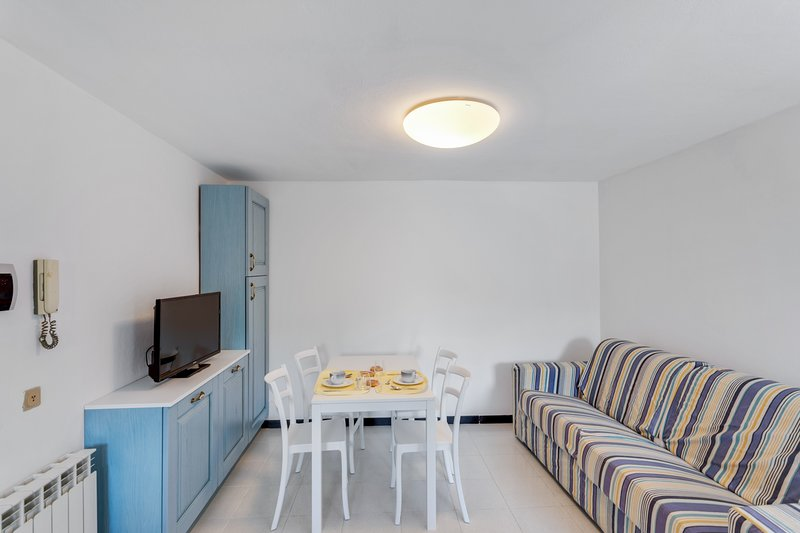 Well-equipped, dog-friendly apartment w/ocean & beach views & shared lawn, location de vacances à Sassello