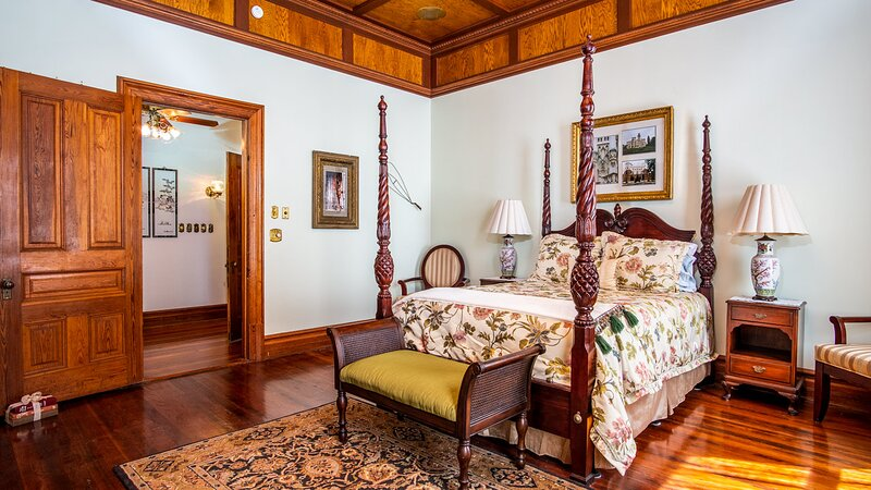 HOGAN HOUSE AT ROSE HILL- Pearl Suite, holiday rental in Luthersville