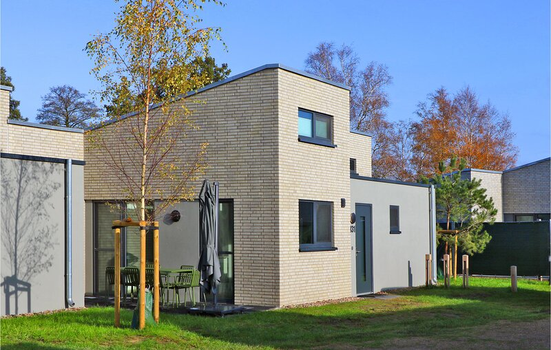 Amazing home in Lembruch/Dümmer See with Sauna, WiFi and 2 Bedrooms (DDS236), holiday rental in Dielingen