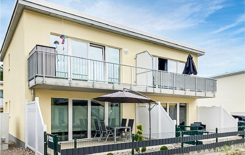 Amazing apartment in Graal-Müritz with 1 Bedrooms (DMK722), holiday rental in Klockenhagen