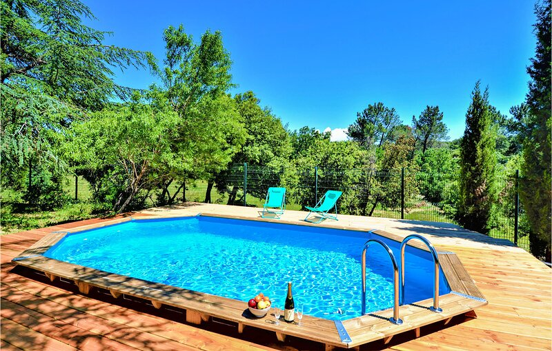 Awesome home in St. Gervais with Outdoor swimming pool, WiFi and Outdoor swimmin, holiday rental in Saint-Marcel-de-Careiret