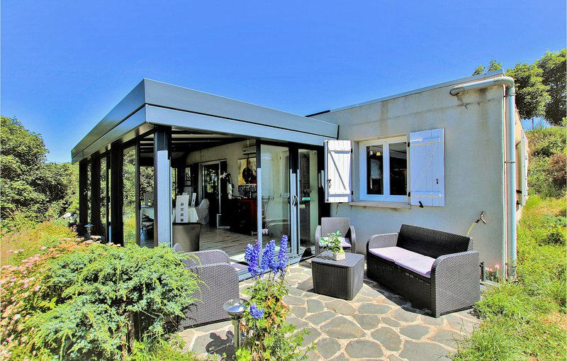 Amazing home in Lac d´ Issarlès with 2 Bedrooms (FRA167), vakantiewoning in Lachapelle-Graillouse