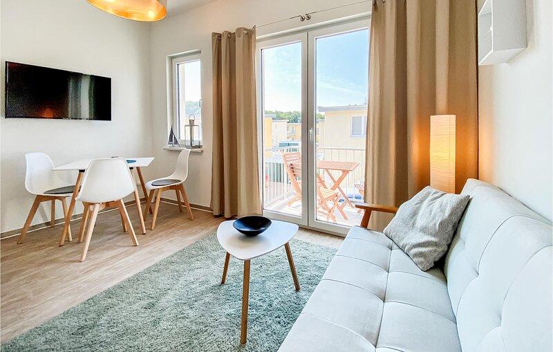Beautiful apartment in Graal-Müritz with WiFi and 1 Bedrooms (DMK732), holiday rental in Graal-Mueritz