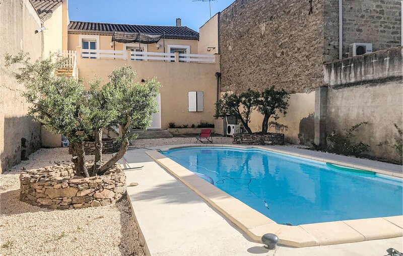 Awesome home in Olonzac with Outdoor swimming pool, Outdoor swimming pool and 3, alquiler vacacional en Beaufort