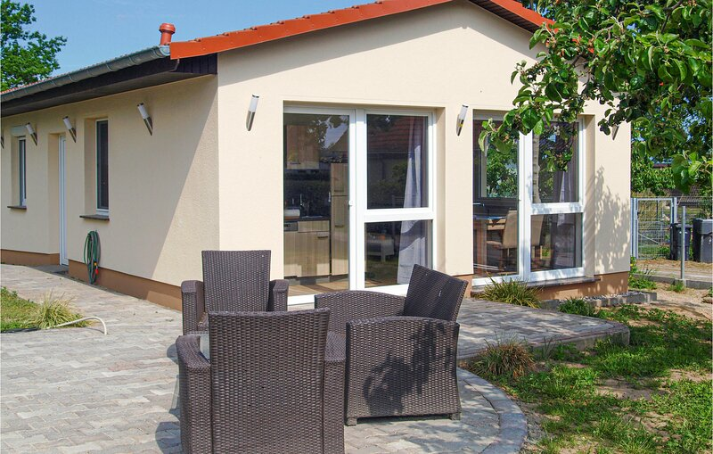 Amazing home in Behrenhoff with WiFi and 2 Bedrooms (DMV451), vacation rental in Alt Jargenow