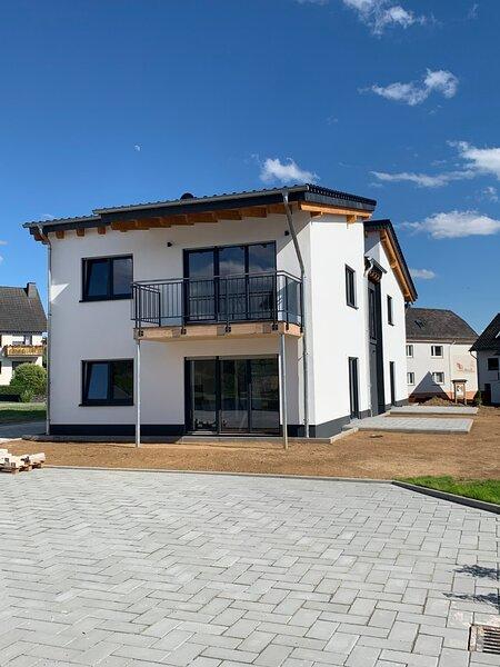 Mittelrheinferien neue Premium Ferienwohnung nahe der weltbekannten Loreley, holiday rental in Patersberg