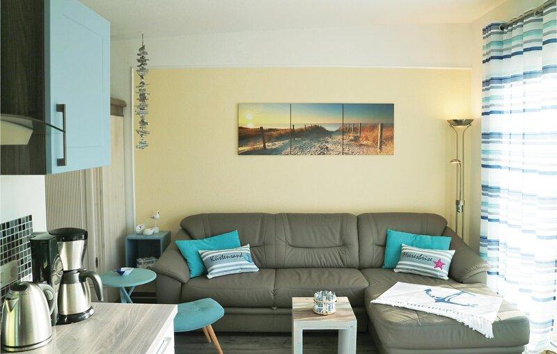 Stunning apartment in Gelbensande with WiFi and 1 Bedrooms (DMK691), holiday rental in Klockenhagen